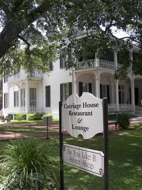 carriage house restaurant fried chicken picture of carriage house restaurant natchez tripadvisor