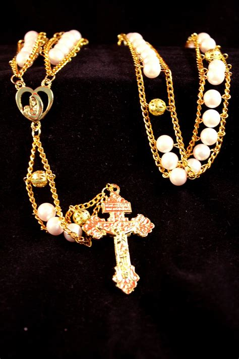 best rosary 17 best images about beaded jewelry and crosses on