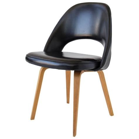 Saarinen Dining Chairs Eero Saarinen Executive Or Dining Chair For Knoll For Sale At 1stdibs