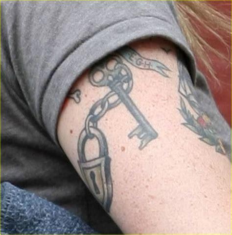 ethan tattoo pics for gt ethan hawke tattoos