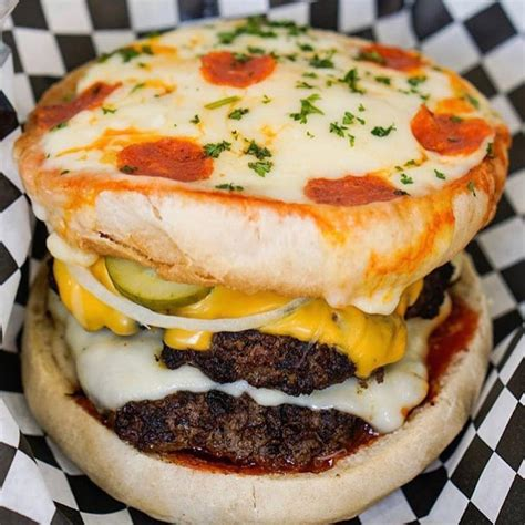 burger unik  bandung  viral   pelanggan