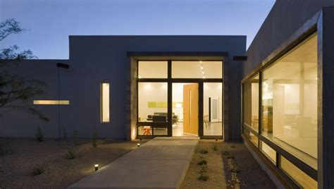 a modern courtyard house in phoenix design milk bloglovin six courtyard houses design by ibarra rosano design
