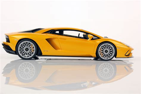 lamborghini aventador s 1 18 mr collection models