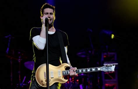 maroon 5 1990s songs maroon 5 at the first niagara center live from buffalo