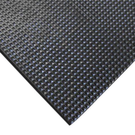 Non Slip Rubber Mats by Rubber Cal Grip Scraper A Non Slip Traction Mat 5mm
