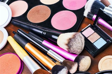 Alat Make Up Makeover how to begin creating your professional makeup artist kit