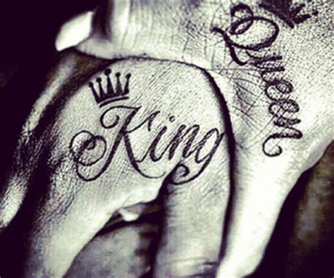 king queen tattoo hand interesting king and queen couple tattoos on hands real