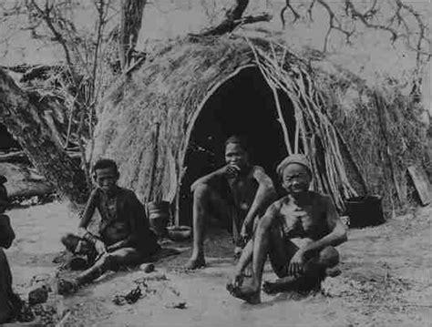 Kos Bis Mania Community White san volk