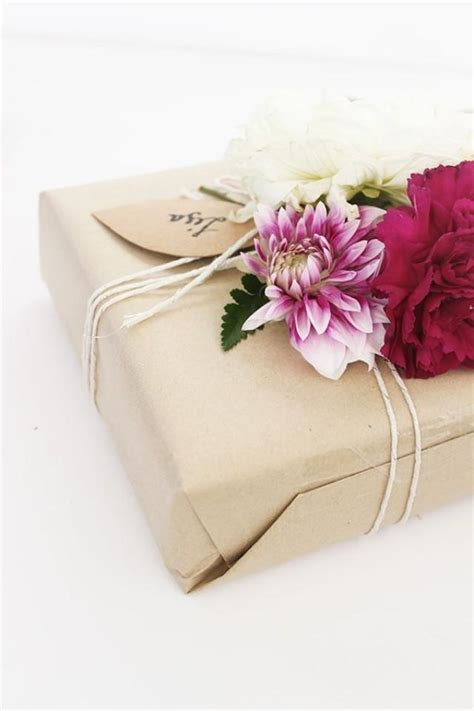 gift wrapping for diy gift wrapping 2109312 weddbook
