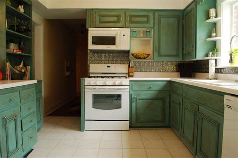 shades of amber goodbye oak cabinets hello beautiful 128 best cabinets in chalk paint 174 decorative paint by