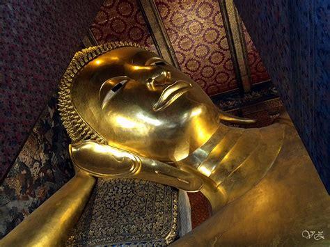 reclining budda wat pho temple of reclining buddha littlenomadid com