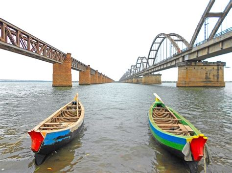 boat rs near skyway bridge rajahmundry rajamahendravaram rajahmundry tourism