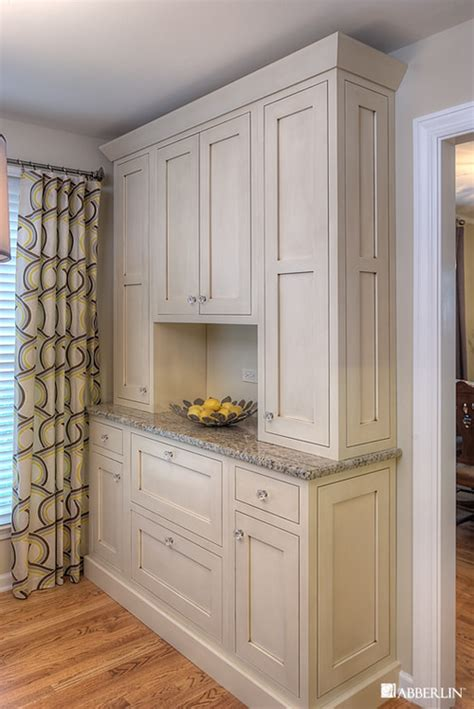 white stain kitchen cabinets is the the color on the cabinet stain and if so do you