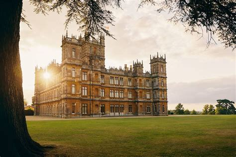 downton abbey castle   listed  airbnb   night