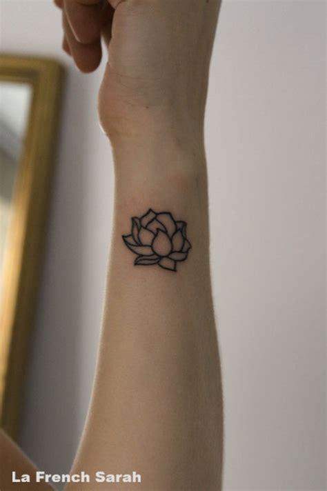 tattoo mandala petit tatoueur lyon la french sarah