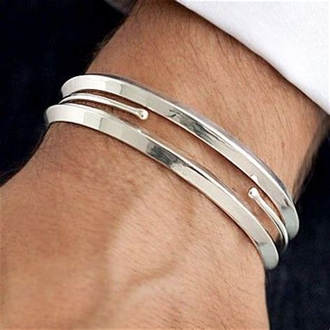 membuat gelang pria gelang pria dan beberapa macam serta bahan materialnya