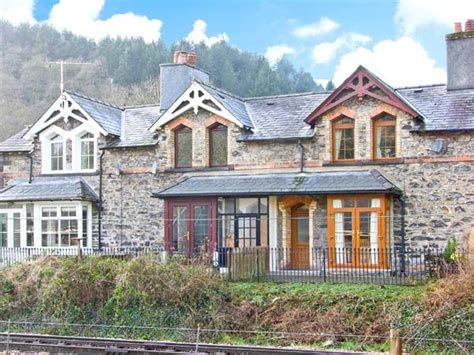 sykes cottages wales 3 railway cottages betws y coed self catering