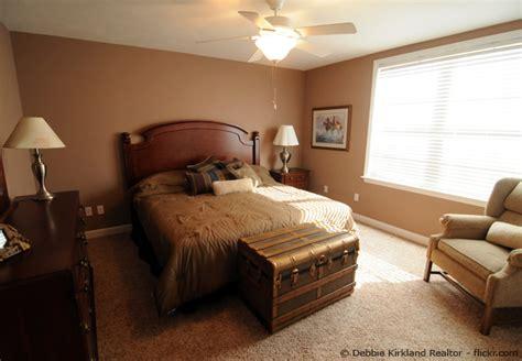 schlafzimmer streichen welche wandfarbe im schlafzimmer streichen wohnen