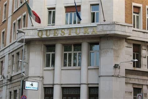 ufficio turismo bari bari poliziotto suicida in questura