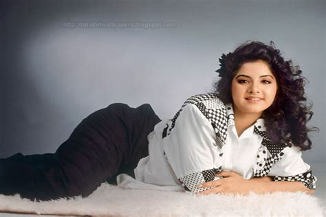 actress divya bharti wallpaper bollywood actress hd wallpapers hollywood actress hd