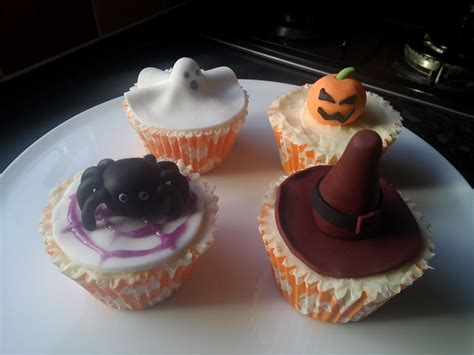 halloween themed cupcakes halloween themed cupcakes cakecentral com
