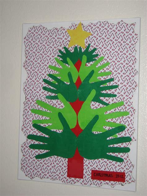 what a team feeling crafty family handprint christmas tree