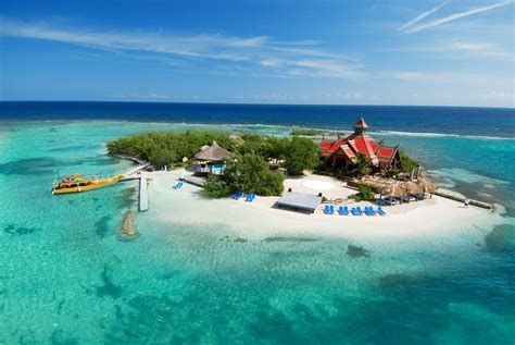 caribbeans leading brands compete  ultimate travel accolade news breaking travel news