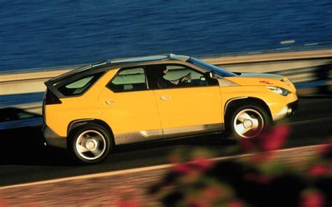 Pontiac Concept by Pontiac Aztek Concept Side In Motion 2 Photo 19