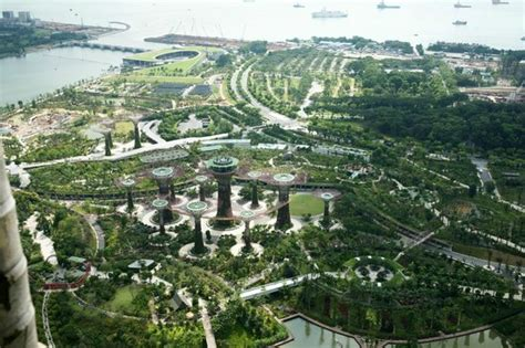 garden view picture of marina bay sands singapore