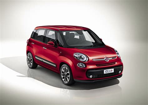 Four Door Fiat by Fiat 500l Four Door Officially Coming To Geneva News