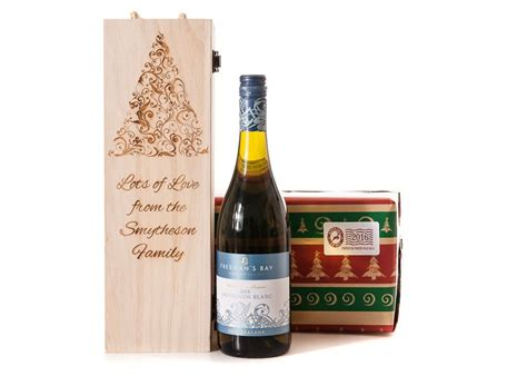 personalised wooden wine gift box christmas tree chagne