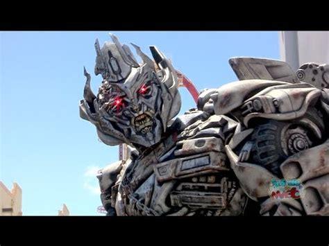 talking megatron transformers character meet and greet at