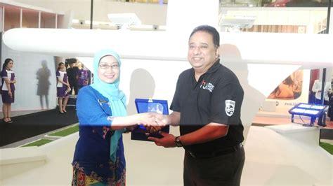 Lu Philips Di Jakarta Terbesar Di Dunia Philips Lighting Terangkan Pencahayaan Jalan Di Jakarta Csr Indonesia