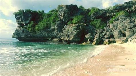 foto pantai balangan beach bali uluwatu jimbaran jalan