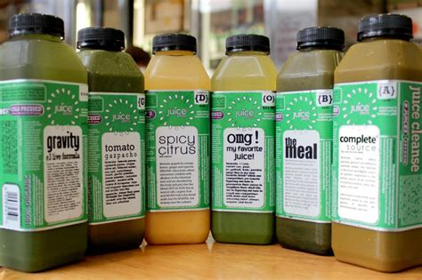 Detox Juice At Stores by Nyc S 5 Best Juice Cleanses Part Ii 171 Cbs New York