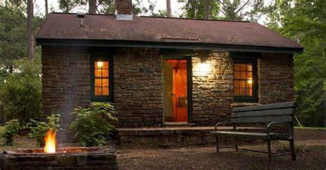 cozy cabins  alabama   perfect   fall getaway