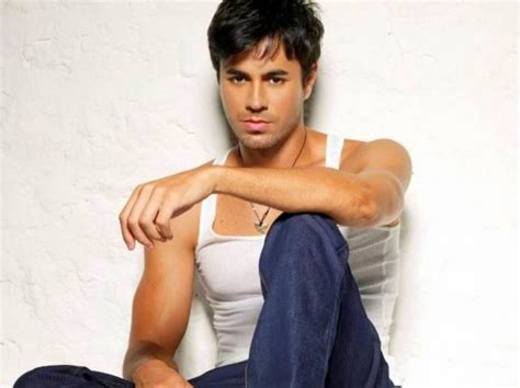 hollywood hottest man in the 2015 enrique iglesias 10 hottest men in hollywood celebs