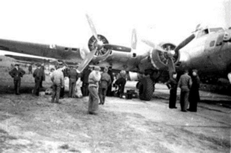 the liberation of the pows / transit camp of the luftwaffe