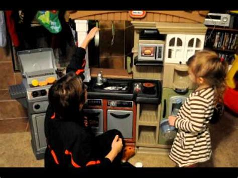 little tikes grillin grand kitchen video review youtube