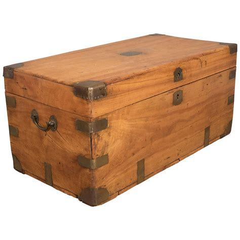 Vintage Etnik Cina Se 10 export chorwood sea chest or caign trunk at