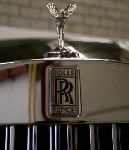 rolls royce logo rolls royce набирает сотрудников bmw со всего мира