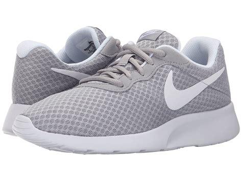 Nike Tanjun Slip On White Silver nike tanjun brown silver