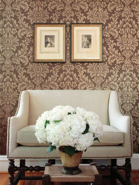 Damask Living Room | 30 elegant and chic living rooms with damask wallpaper