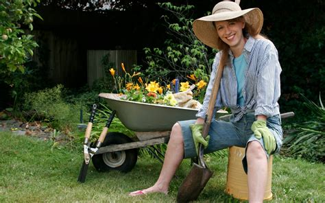 Gardeners Chicken get fit gardening