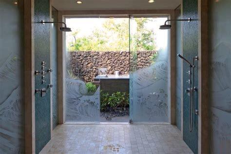 luxury showers        leave