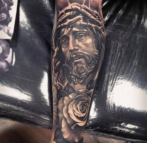 Tattoovorlagen Jesus | jesus mit blume und dornenkrone tattoo tattoovorlage