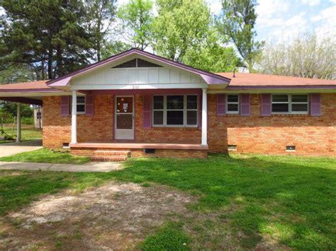 Houses For Sale In Tupelo Ms by 2100 Bryan Dr Tupelo Mississippi 38801 Reo Home Details