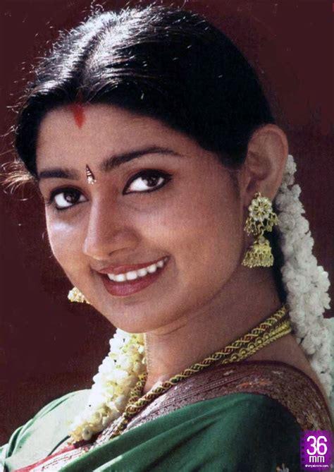 actress divya unni new photos divya unni actress movies and celebrities