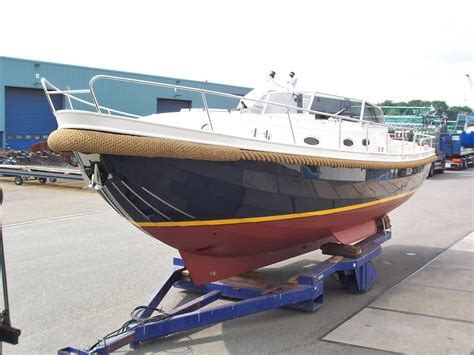 boegschroef polyester boot schilderen boot boegschroef en scheepsmotoren jachtbouw