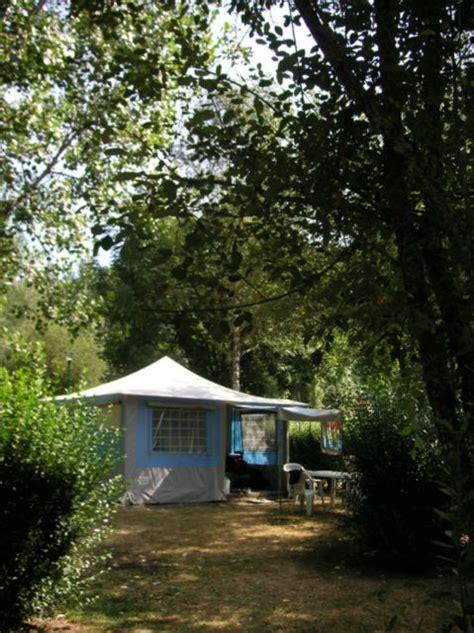 location bungalow toile lagune 2ch 4 5 pers auvergne cing le moulin de serre volcans d